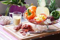 Poivrons farcis au taboulé chaud, ananas et chorizo