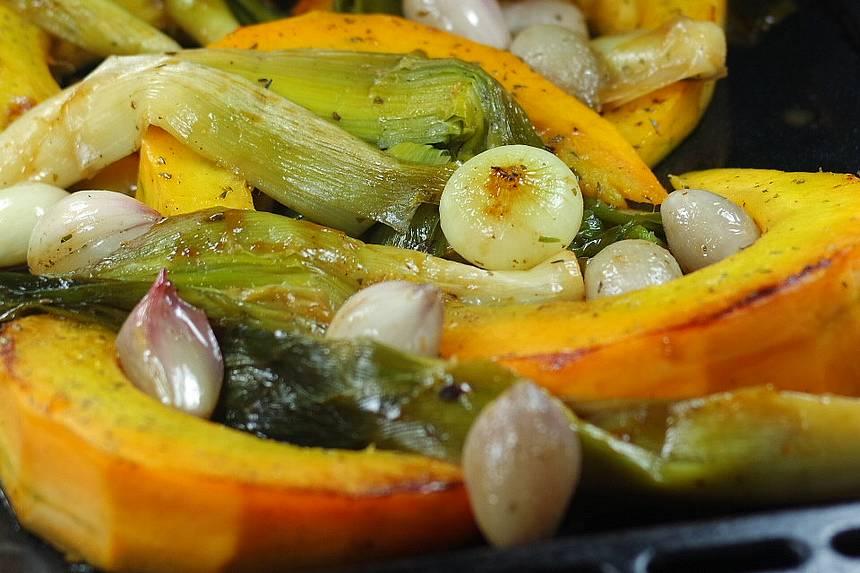 Citrouille et légumes rôtis au four