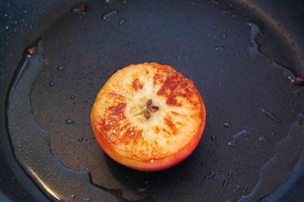 Burger à la grecque, pomme rôtie