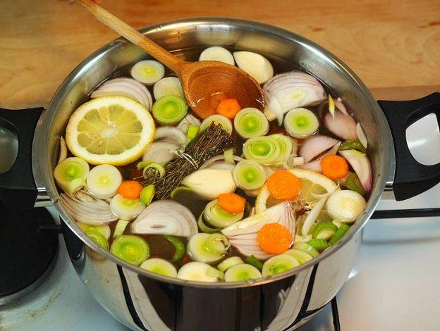 Comment faire des courts-bouillons qui ont du Goût ! 9 recettes de court-bouillon.