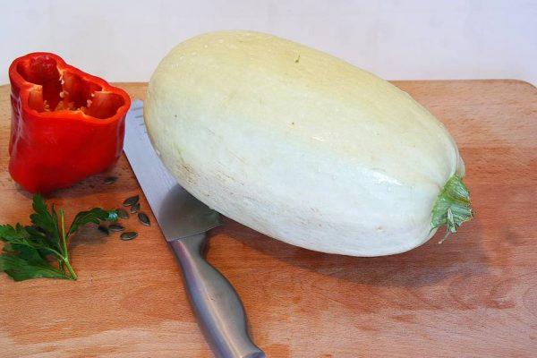 Courgette spaghetti carbonara. Une variante originale avec un légume d'été. Plus léger, plus digeste mais tout aussi gouteux. Ce plat risque de vous surprendre !