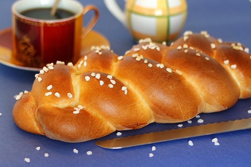 La brioche moelleuse au lait. Le plaisir gourmand au petit déjeuner ou au goûter. Recette ultra précise et détaillée pour la réaliser facilement.