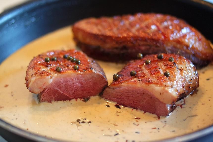 Magret de canard sauce au poivre vert du dimanche. Rodolphe briec - blog court-bouillon