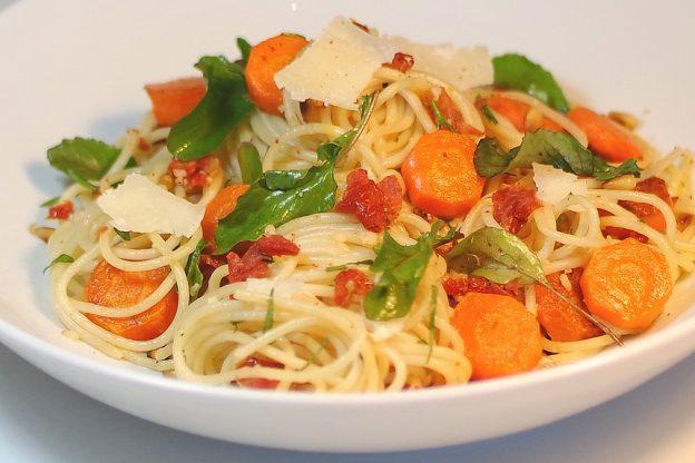 Salade italienne. Simple à réaliser. Facile et rapide à faire aux saveurs fraiches de Méditerranée. blog court-bouillon. Rodolphe Briec
